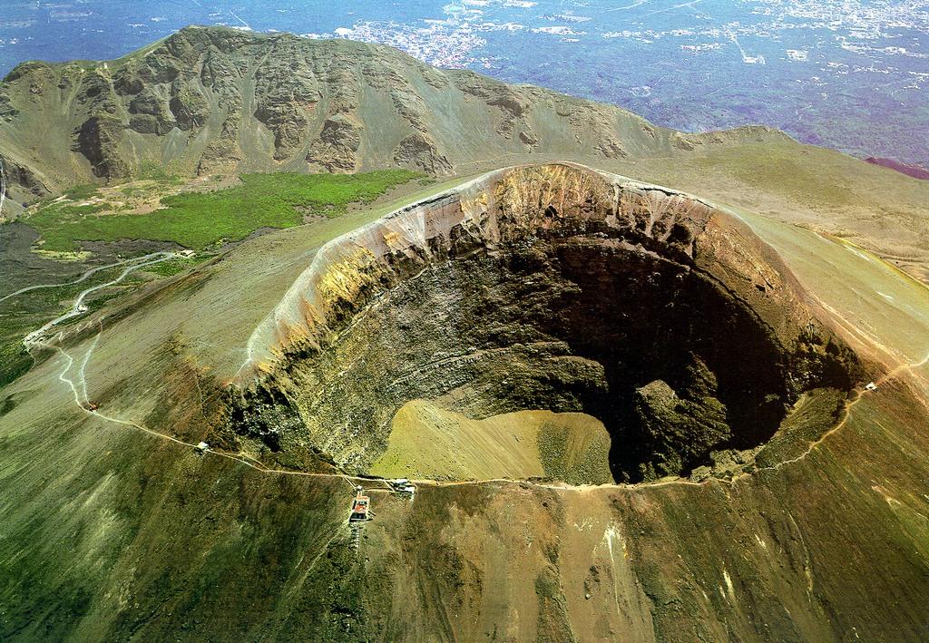 「Mount Epomeo, Italy」的圖片搜尋結果